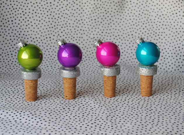 DIY Holiday Gifts - Ornament Bottler Stopper