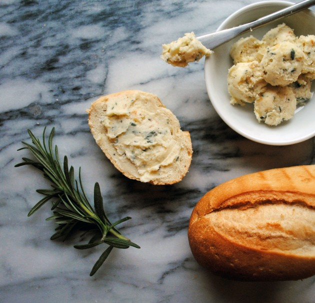 Roasted Garlic Herb Butter 3